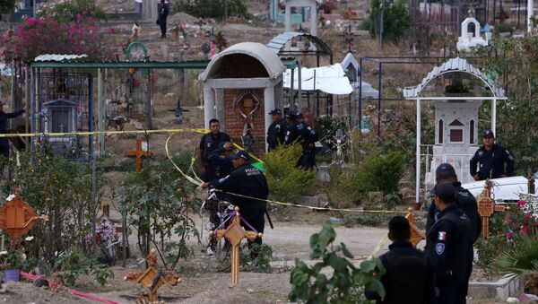 Fosas clandestinas en Morelos, México - Sputnik Mundo