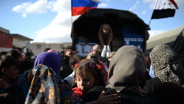 Entrega de la ayuda humanitaria rusa en Siria (archivo) - Sputnik Mundo