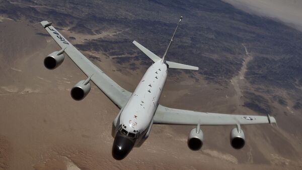 Un avión espía RC-135 - Sputnik Mundo