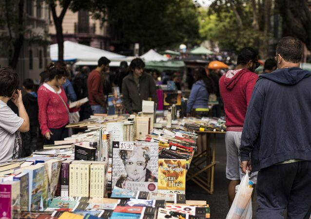 Libros en Feria Tristán Narvaja