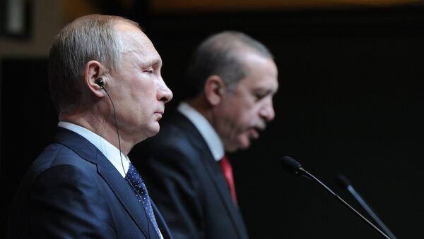 December 1, 2014. Russian President Vladimir Putin, left, and President of Turkey Recep Tayyip Erdogan at the concluding news conference in Ankara - Sputnik Mundo