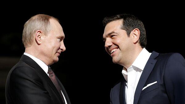 Presidente de Rusia, Vladímir Putin, y primer ministro de Grecia, Alexis Tsipras - Sputnik Mundo