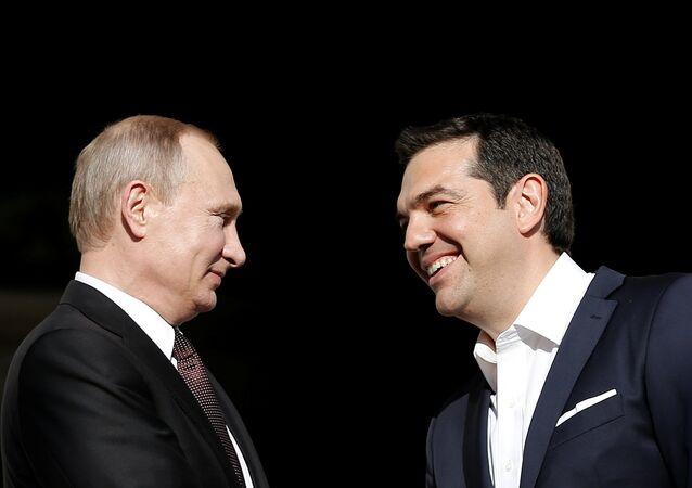 Presidente de Rusia, Vladímir Putin, y primer ministro de Grecia, Alexis Tsipras (archivo)