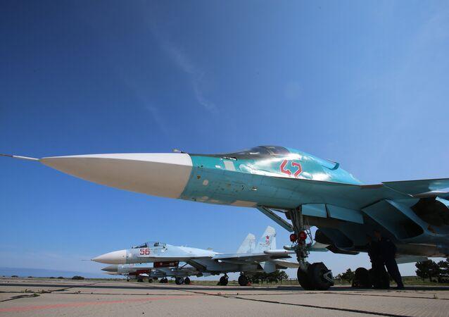 Avión Su-34 en el polígono Chauda