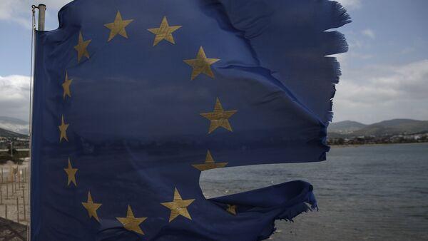 La bandera rota de la UE - Sputnik Mundo