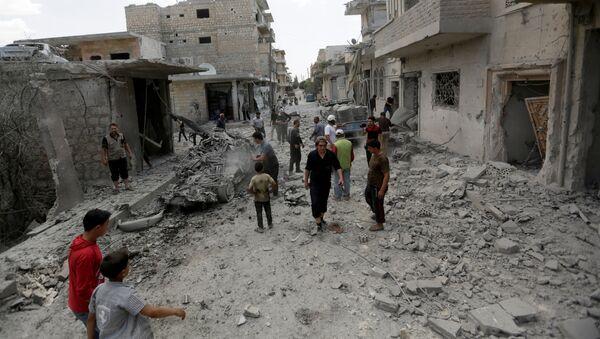 Edificios destruidos en Idlib, Siria (archivo) - Sputnik Mundo