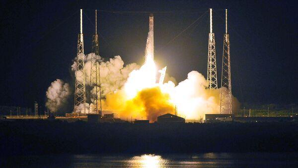 Falcon 9 - Sputnik Mundo