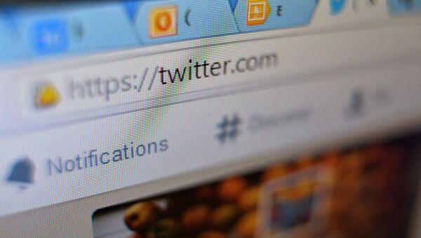 La página de la red social Twitter en el navegador web - Sputnik Mundo