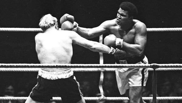 Muhammad Ali contra Richard Dunn, Alemania, 1976. - Sputnik Mundo