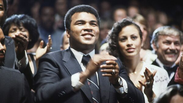 Muhammad Ali, boxeador estadounidense - Sputnik Mundo