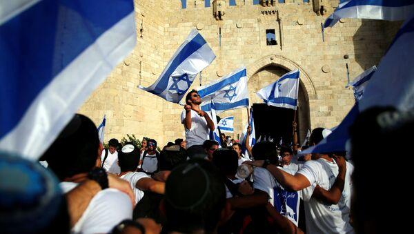 Los israelies desfilan por las calles de Jerusalén - Sputnik Mundo