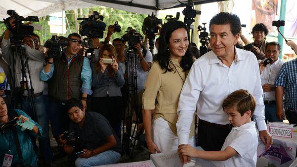 Héctor Yunes, un candidato a gobernador en Veracruz - Sputnik Mundo