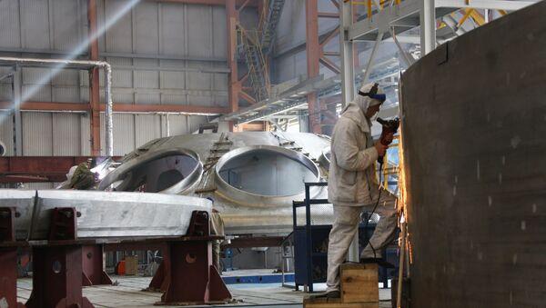 Fabricación de un reactor nuclear en Rusia (archivo) - Sputnik Mundo