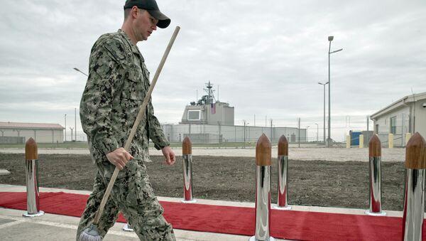 Un militar estadounidense en la base de Deveselu, Rumanía - Sputnik Mundo