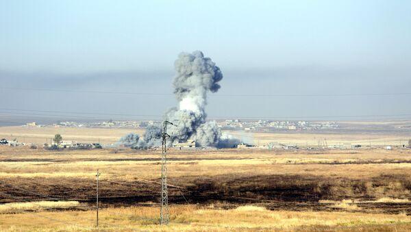 Ataque aéreo contra Daesh de la coalición liderada por EEUU - Sputnik Mundo