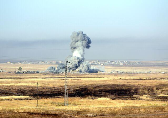 Ataque aéreo contra Daesh (archivo)