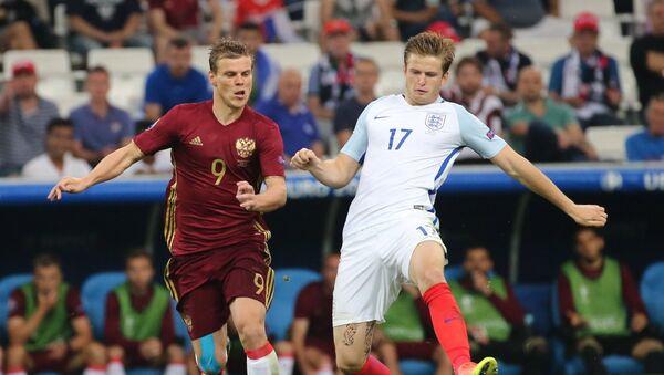 Alexander Kokorin, futbolista ruso, y Eric Dier,  futbolista inglés - Sputnik Mundo
