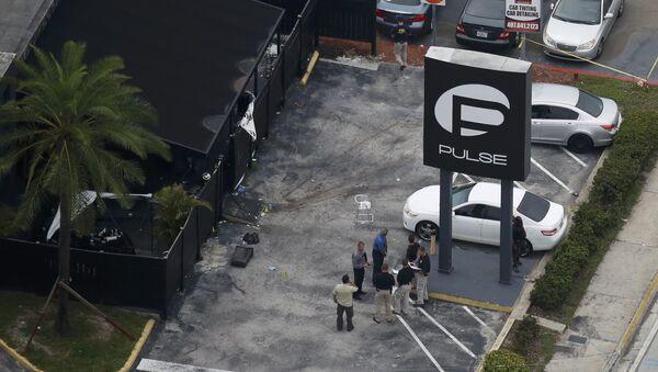 Agentes de FBI en el lugar del atentado en Orlando, EEUU - Sputnik Mundo