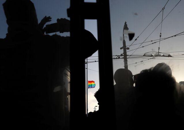 Una manifestación en memoria de las víctimas del atentado en Orlando