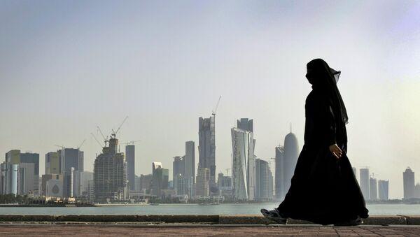 Una mujer catarí en Doha - Sputnik Mundo