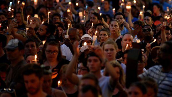 Acción en la memoria de las víctimas en Orlando - Sputnik Mundo