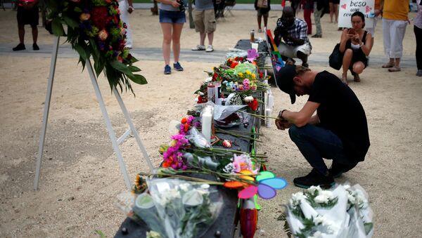 Tributo a las víctimas del atentado en Orlando - Sputnik Mundo
