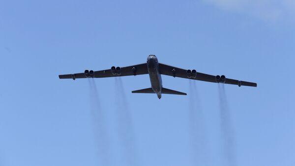 El bombardero estratégico B-52 de la Fuerza Aérea de Estados Unidos - Sputnik Mundo