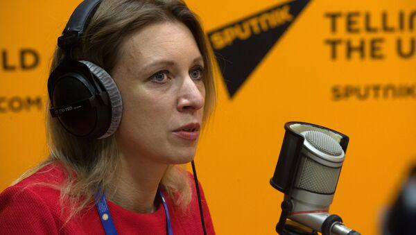 María Zajárova, portavoz del Ministerio de Exteriores de Rusia, en el estudio de Sputnik en el XX Foro Económico de San Petersburgo - Sputnik Mundo