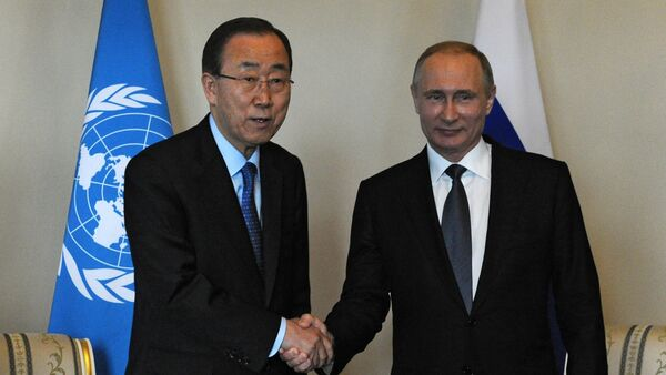 Secretario general de la ONU, Ban Ki-moon y presidente de Rusia, Vladímir Putin - Sputnik Mundo