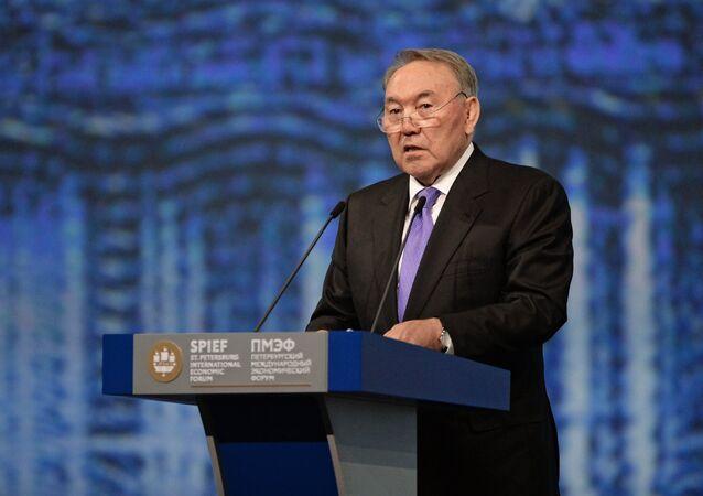 Nursultán Nazarbáyev, presidente de Kazajistán en el Foro Económico Internacional de San Petersburgo (SPIEF)