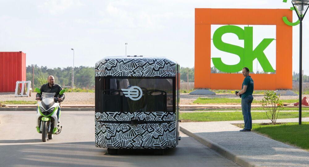 Volgabus, primer vehículo de transporte público no tripulado de Rusia, ha salido del laboratorio Skólkovo, 2016