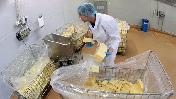 Producción de queso procesado en Rusia - Sputnik Mundo
