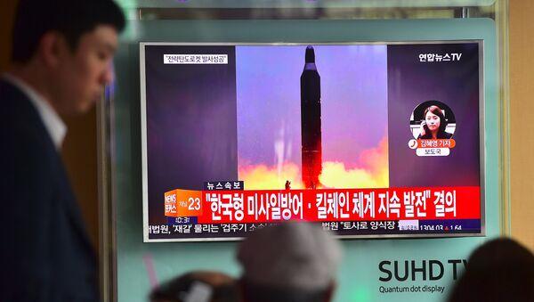 El lanzamiento de un misil por Corea del Norte - Sputnik Mundo