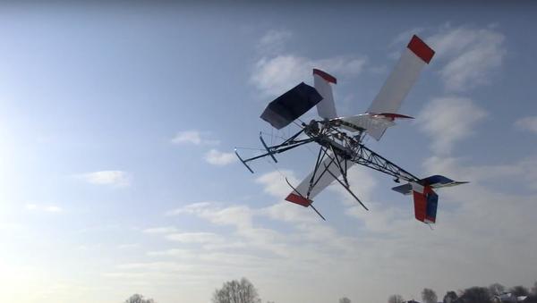 El prototipo del ornitóptero ruso Rarok durante las pruebas - Sputnik Mundo