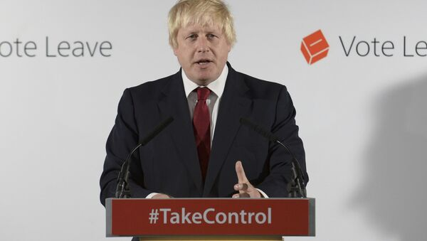 Vote Leave campaign leader Boris Johnson speaks at the group's headquarters in London - Sputnik Mundo