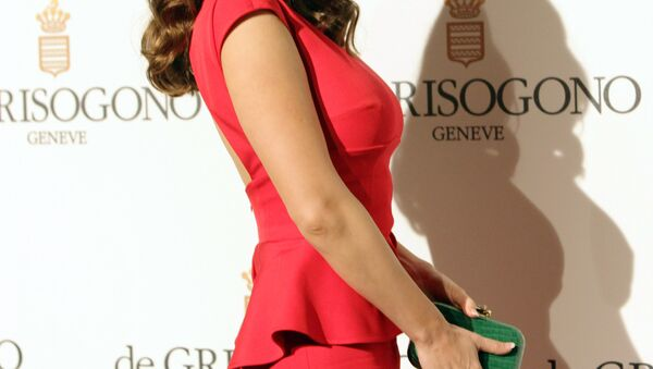 British model and actress Kelly Brook attends the Grisogono Party at the Hotel Eden Roc in Antibes during the 65th Cannes film festival on May 23, 2012. - Sputnik Mundo