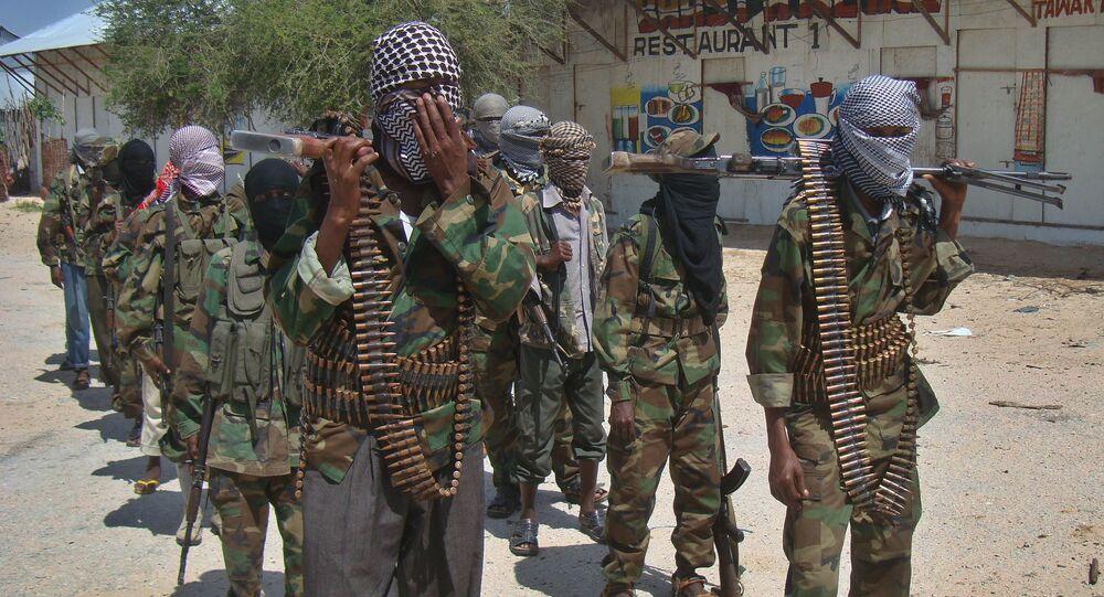 Combatientes de Al Shabab en Mogadiscio, Somalia (archivo)