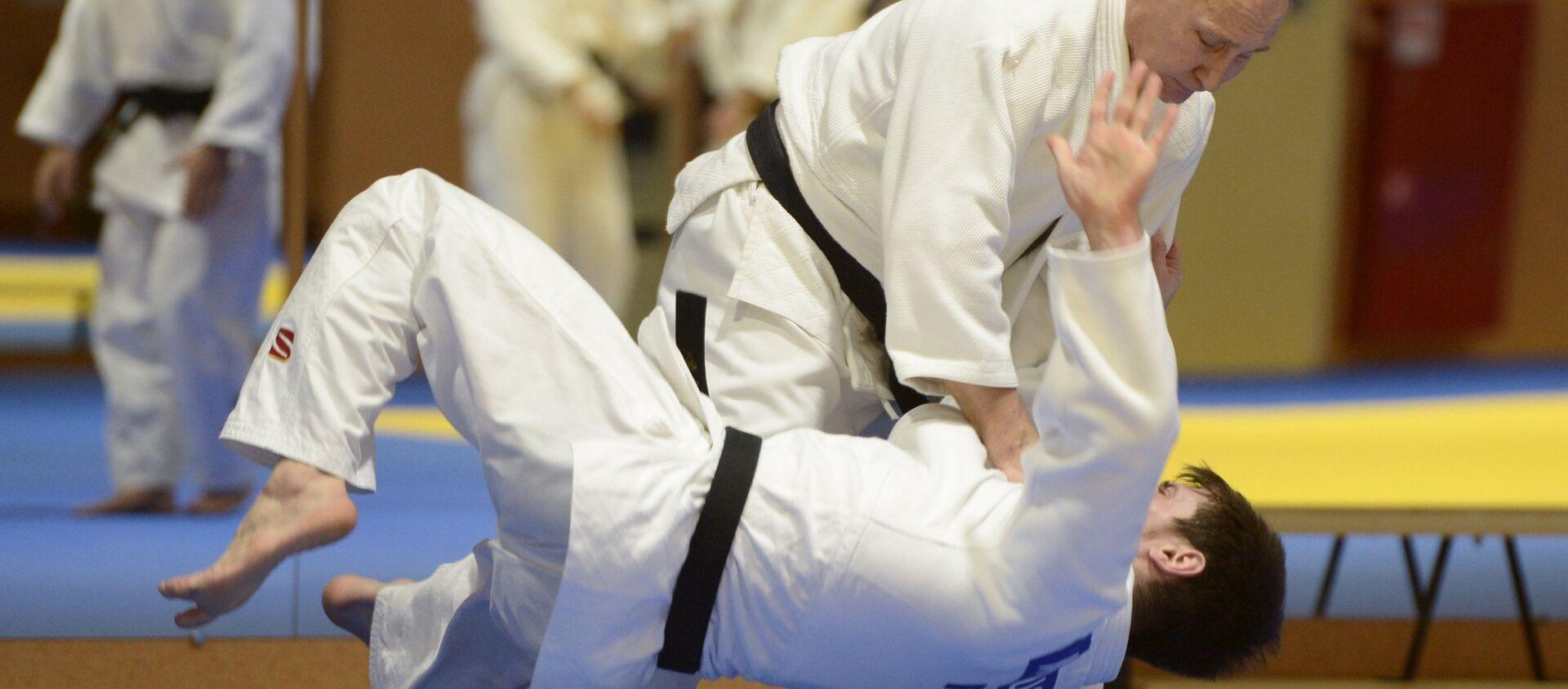 Vladímir Putin, presidente de Rusia, practicando judo - Sputnik Mundo, 1920, 28.10.2020
