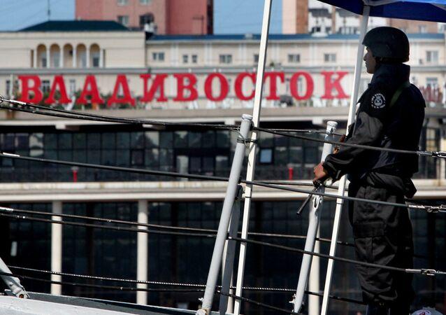 La llegada de la Marina india al puerto de Vladivostok (archivo)