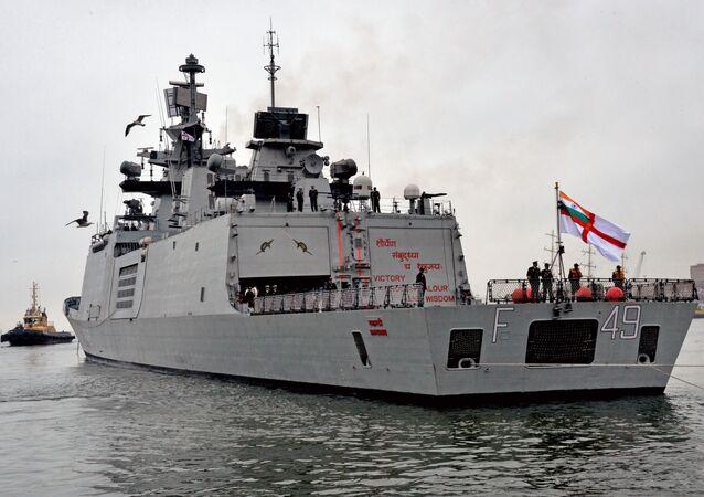Buques de la Armada India llegan al puerto ruso de Vladivostok