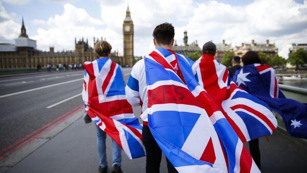 Las banderas de Reino Unido - Sputnik Mundo
