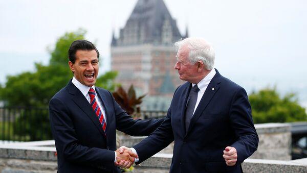Presidente de México, Enrique Peña Nieto  y gobernador general de Canadá, David Johnston - Sputnik Mundo