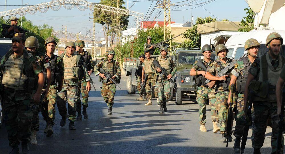 Soldados libanos en la localidad de Qaa donde tuvieron lugar los atentados suicidos