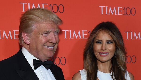 Donald Trump y su esposa, Melania - Sputnik Mundo