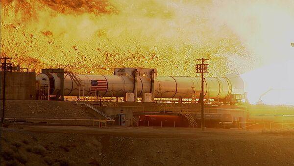 La prueba de una lanzadera de un cohete superpesado SLS - Sputnik Mundo