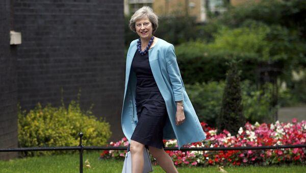 Theresa May, política británica - Sputnik Mundo