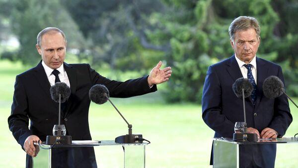 Presidente de Rusia, Vladímir Putin, y presidente de Finlandia, Sauli Niinisto - Sputnik Mundo