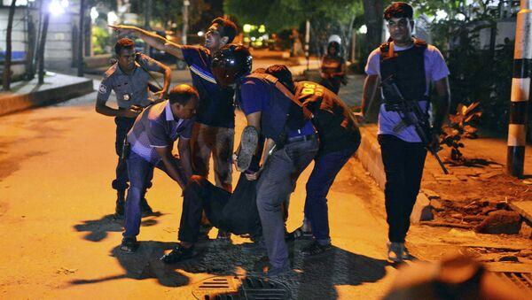Policías en Daca - Sputnik Mundo