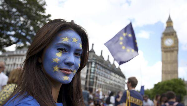 Partidarios de la permanencia de Reino Unido dentro de la UE - Sputnik Mundo