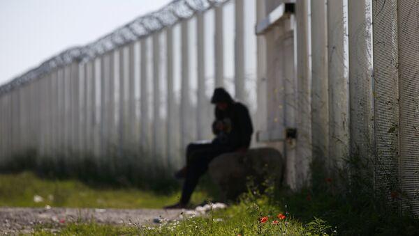 Un migrante en Europa - Sputnik Mundo